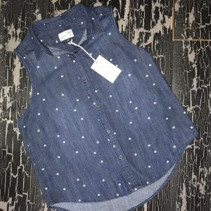 Universal Thread Sleeveless Button Down Shirt